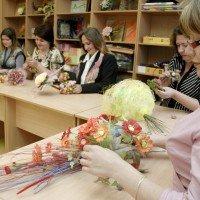 Ziedu pušķu veidošana floristikas nodarbībās