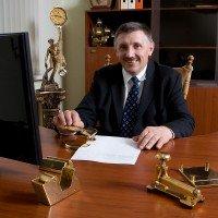 Uzņēmuma valdes priekšsēdētājs