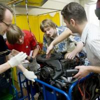Topošo automehāniķu praktiskās nodarbības